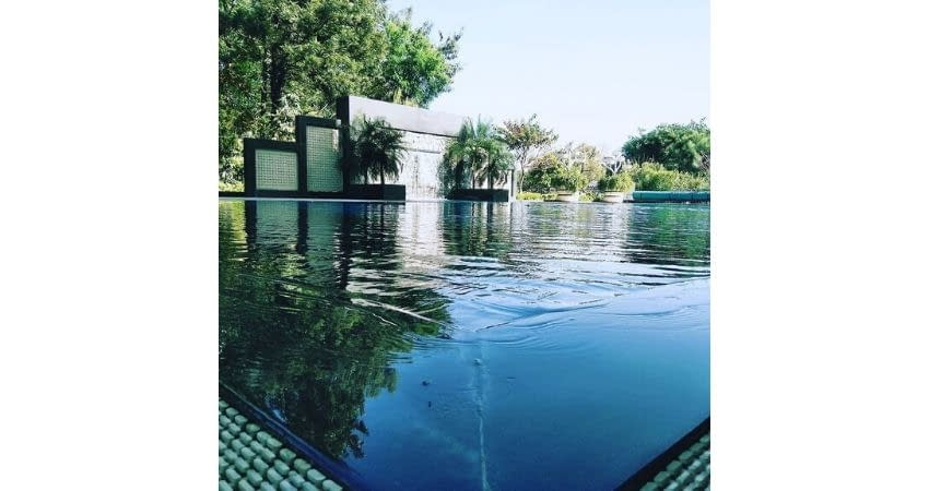 the-lalite-2-the-best-swimming-pools-in-chandigarh